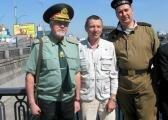Участники митинга Крысько М.А., Колесниченко А.В. и Тарасюк А.П.
